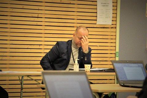 Rådmann i Leirfjord, Jan Ove Styve fikk ikke flertall for forslagene om å legge ned grendeskolene, SFO og barnehagene i Ulvangen og Tverlandet. Kuttforslagene var lagt fram som en løsning på kommunens omstillingsprosjekt der de må spare 7,5 millioner kroner.