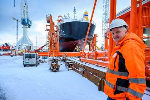 SLIPEN-SJEF: Arnt S. Jakobsen raser mot fylkesadministrasjonens forslag om å legge ned industriteknologi-linjen ved Sandnessjøen videregående skole. Her avbildet fra en reportasje i februar i år.