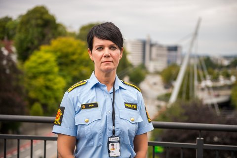 Politiinspektør Unni Byberg Malmin sier politiet nå jobber med å kartlegge mannens bevegelser i Stavanger den helgen Jørgensen ble drept. Sammenholdt med andre opplysninger i saken er dette sentralt i mistankegrunnlaget mot mannen.møter pressen på politihuset i Stavanger.