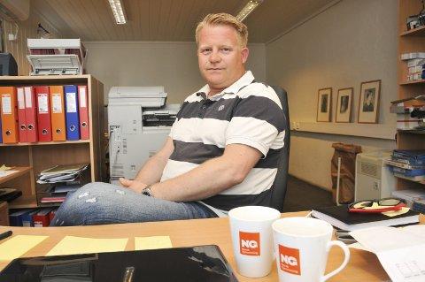 Mister jobben: Driftsleder Stefan Baugstø hos Norsk Gjenvinning på Fikkjebakke er selv blant dem som har fått oppsigelse, som en konsekvens av at et nytt selskap har fått kontrakten på søppelinnsamlingen i Kragerø.