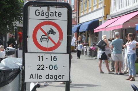 Det er bare mulig å kjøre gjennom Storgata og P.A. Heuchs gate mellom 06.00-11.00 og mellom 16.00-22.00.
