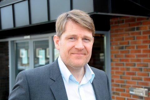 INGEN DROP-IN: Banksjef Kjell Nærum ved Drangedal Sparebank. Arkivfoto: Per Eckholdt