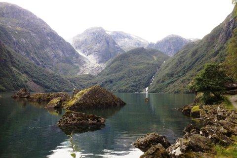 Bondhusvatnet, med brearmen i bakgrunnen. (Arkivfoto).