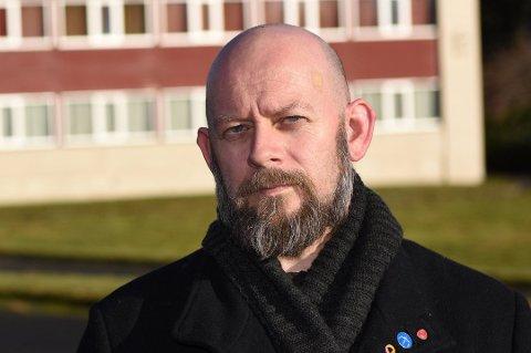 Geir Dolonen-Marthinussen melder seg ut av Kvinnherad Arbeidarparti i protest mot Langtidsplanen for Forsvaret.