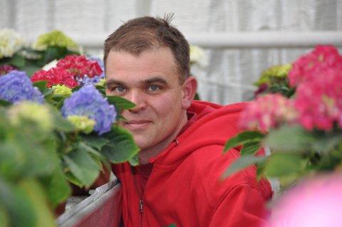 Terje Hus seier til Kvinnheringen at han ikkje veit om det er lønsamt å driva gartneri med så høg nettleige. (Arkivfoto).