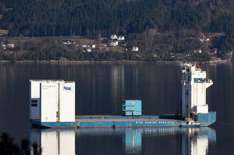«Eide Barge 33» har nyleg fått ny eigar. (Arkivfoto).