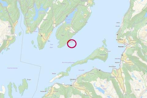 Det er på denne staden (raud ring) Fiskeridirektorartet har trekt tilbake konsesjonen. (Kartutsnitt frå kommunen si kartteneste, Norkart).