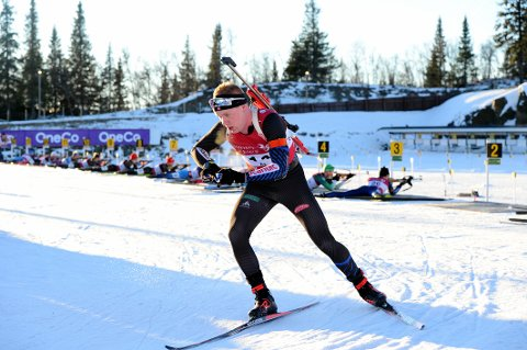 GJEKK FORT: Martin Femsteinevik både skaut bra og gjekk eit meget godt langrenn då han kjempa om sigeren i norgescupopninga.