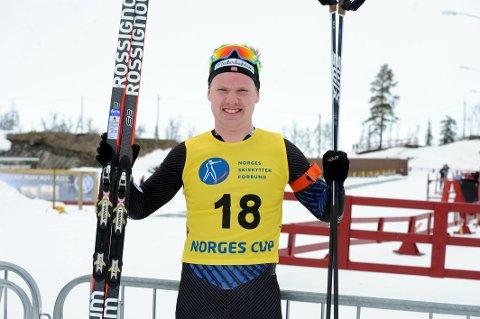 TIL TOPPS: Martin Femsteinevik vann i år som i fjor norgescupen i skiskyting. No flyttar han heim for å ha base på Hatlestrand.