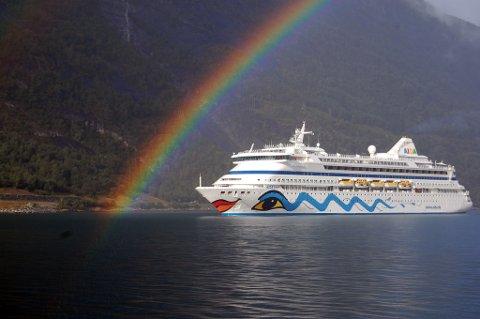 Cruiseskipet «AIDAaura» opnar sesongen og kjem innom Eidfjord på Søndag.
