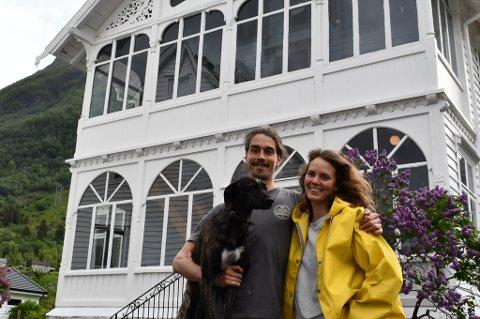 Harald Andreassen og Caroline Steine driv Hardanger Fjord Lodge i Sundal.