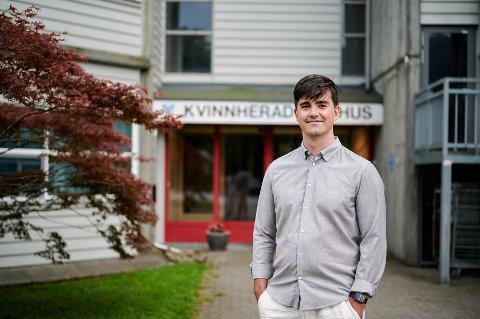 LEGE/FORSKAR: Marius Torjusen har denne sommaren hatt permisjon frå Ahus for å vikariera som kommuneoverlege i Kvinnherad. Det siste året har han hatt spennande oppgåver i Oslo knytt til pandemien.