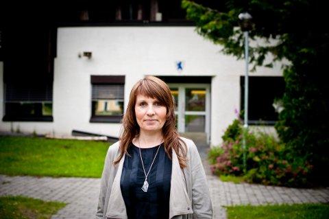Rektor Siri Syvertsen på Numedal videregående skole kan glede seg over gode resultater for sin skole.