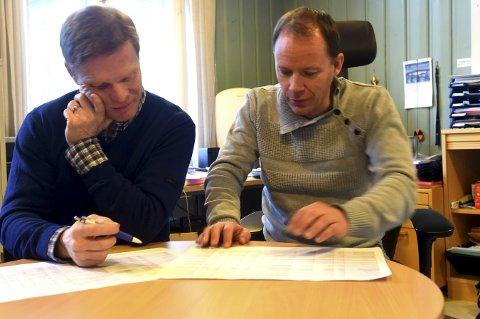 KREVENDE JOBB: Per Olve Tobiassen (t.v.), lederen i Kongsberg idrettsråd, og Rune Fredriksen, i kulturtjenesten, er i godt i gang med den nye kulturanleggsplanen.