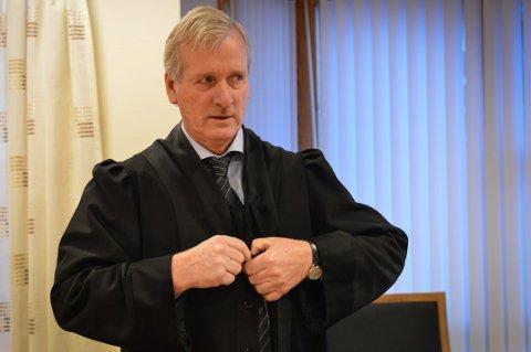 Forsvarer Morten Wexels forsvarer maskinhandleren fra Kongsberg som er frikjent for ulovlig eksport av kjøretøy til Eritrea.