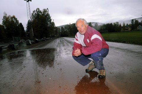 GODE SJANSER: Endelig ser det ut til at Knut Henrik Skramstads håp om et nytt friidrettsanlegg, som erstatning for Idrettsparken, blir realisert. Håpet er at et nytt anlegg står klart ved Skrim idrettspark i 2020.alle foto: OLE JOHN HOSTVEDT
