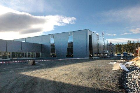Det er nå ti år siden komposittfabrikken på Arsenalet i Kongsberg ble bygget, en investering som ga flere hundre arbeidsplasser. Investeringsviljen i næringslivet nå om dagen er imidlertid lav, viser NHOs oversikt.