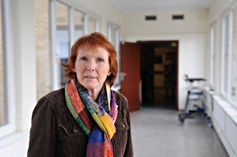 TYDELIG GEST: Ordfører i Kongsberg, Kari Anne Sand var så lite imponert over vestre Vikens vurderinger, at hun rev rapporten i to i møte med ledelsen.