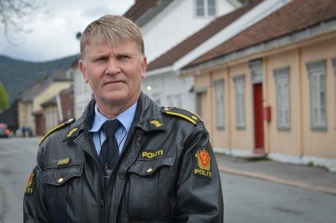 Trafikkansvarlig i Kongsberg-politiet, Arne Vagnild minner bilister om å kjøre ekstra forsiktig i forbindelse med skolestart.