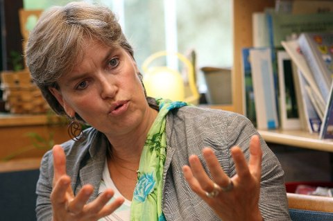 KOMMUNEOVERLEGE: Petra Turet Olsen ble ansatt som kommuneoverlege i fjor i et engasjement. Nå blir stillingen fast og må derfor lyses ut.