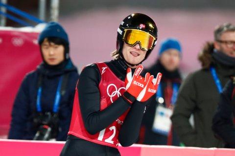 GULLGUTT: Daneil-André Tande sikret ikke bare Kongsberg første OL-gull siden 1948. Han var og med å sikre det første OL-gullet i laghopp gjennom tidene for Norge.