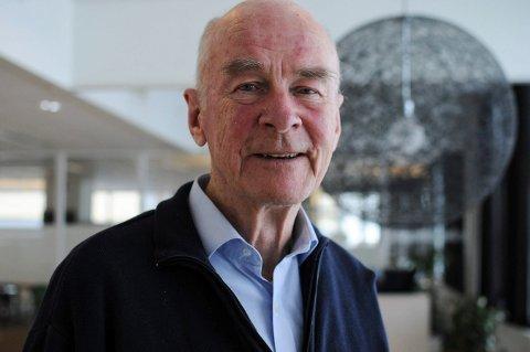 BROBYGGER: Rolf Qvenild kommer rett fra Nederland til utdeling av hedersprisen. Der har han forhandlet med flere andre europeiske universiteter om EU-prosjektmidler for styrke Kongsbergs teknologiske og akademiske posisjon i europeisk sammenheng.