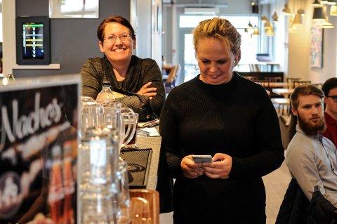 NYTT MEDLEM: Kommunestyrerepresentant Leontine Zakariassen (t.v) har meldlt seg inn i Frp. Hun ble valgt inn for Kongsberglista ved forrige valg, men har en god stund vært uavhengig i kommunestyret.