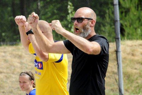OPPTUR: Teie-trener Trond Bergan hadde en vond fredag, men kunne glede seg over at laget hans leverte over forventning i sluttspillet lørdag. De endte til slutt på fjerdeplass.