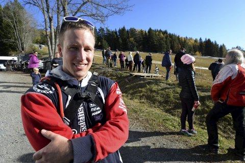 FORNØYD: Anders Becker Johansen kunne smile fornøyd etter seieren i enduroløpet Tiurleiken i helgenFOTO: HOSTVEDT