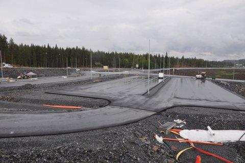 PENDLERPARKERING: P-plassen, på det Statens vegvesen omtaler som Diseplass, blir også ferdigstilt i disse dager.