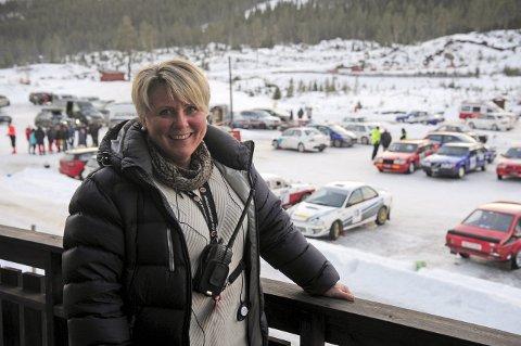 FORNØYD: Torill Karlsrud fra NMK Nore og Uvdal var godt fornøyd etter den aller første Smådølsprinten var gjennomført. Foto: Torgrim Gotland Bakke