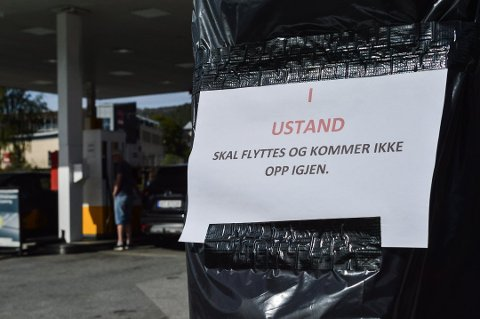 Avviklet: I fjor sommer ble hurtigladeren på Shell express i Kongsberg avviklet. Grønn kontakt ser seg om etter nye steder i Kongsberg å sette opp hurtigladere.