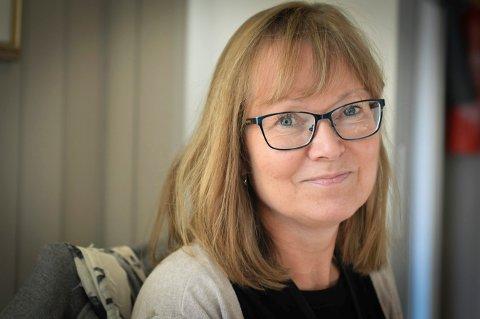 FLERE VIL HJELPE: Frivillighetskoordinator Rigmor Råen håper at de som vil ha følge på en gåtur, tar kontakt. Hun har flere frivillige som gjerne blir med på en tur.