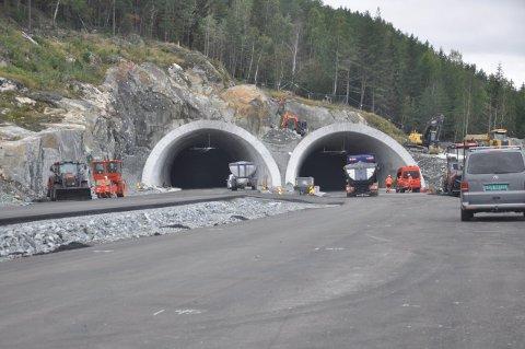Fra Svartåstunnelen mot Trollerudmoen skal det jobbes natt neste uke.