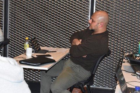 I MINDRETALL: Mosh Estakhri mente at politikerne ikke burde fengsle polet der de er i dag, i det gamle fengslet på Nytorget.  - De har jo ingen andre alternativer der, og ønsker selv å flytte over til Nymoen, sa Frp-politikeren i kommunestyret onsdag kveld.