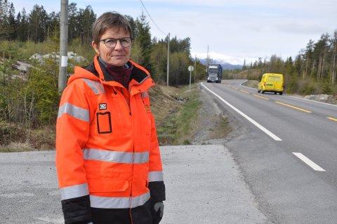 FIKK 25 INNSPILL: Prosjektleder Trude Holter ved Rossebu, der Saggrenda-Elgsjø ender i vest.