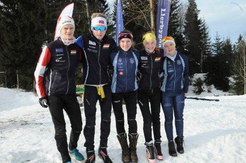GODE RESULTATER PÅ HJEMMEBANE: Det ble mange sterke resultater for de lokale skiorientererne fra Lier og Drammen under NM og norgescupen på Eiksetra. Fra venstre: Aslak Heimdal, Jørgen Baklid, Synne Strand, Jenny Baklid og Tilla Farnes Hennum.