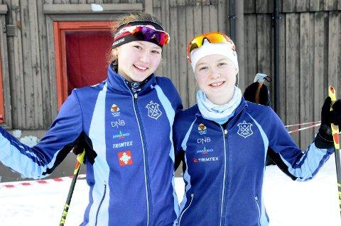 MED I VM: Synne Strand og Tilla Farnes Hennum deltar i verdensmesterskapet i skiorientering for juniorer i Finland.