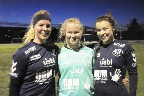 KLARE FOR ELITEMOTSTAND: Lier ILs fotballkvinner er igjen klare for den andre runden i norgesmesterskapet. I fjor møtte de Lillestrøm på hjemmebane, og sjansen er stor for at det kan bli et topplag igjen. - Det var veldig gøy å møte Lillestrøm i fjor, sa Gina Granheim (til høyre).  Keeper Oda Mykstu (i midten) og Ida Nordqvist (til venstre) er to av de nye Lier-laget denne sesongen.