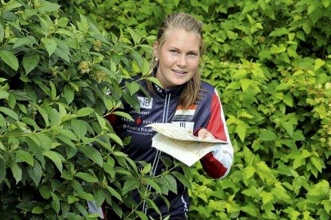 STAFETTSØLV: Maren Jansson Haverstad bidro til å sikre sølvet under NM-stafetten i orientering.