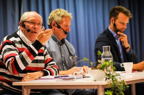 STORTINGETS ELDSTE: Martin Kolberg blir trolig Stortingets eldste når han går løs på en ny periode. Her sammen med Arne Nævra (SV) og Jon Helgheim (Frp) fra en debatt på biblioteket.