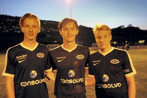 God utvikling: Victor Nagelsaker, Dag Emil Hovde og Oliver Pettersen Sollie føler de har gode utviklingsmuligheter i Stoppen. De var tre av totalt sju juniorspillere som spilte for seniorlaget i mandagens målfest mot Åmot.