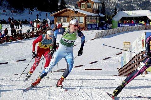 Endelig til topps: Han har vært nære tidligere, men aldri klart å steget opp på det øverste trinnet på seierspallen i et norsk mesterskap. På lørdag var det Vetle Rype Paulsens tur, 18-åringen ble norsk mester på sprinten, under junior-NM i skiskyting. Bilder: Kirsti Winsvold Grana