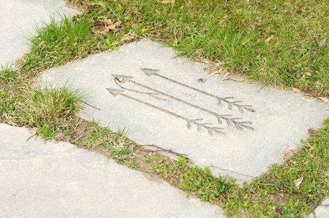 Følg veien til Hallvardsok: Fra pilene på Huseby til Lier kulturscene.