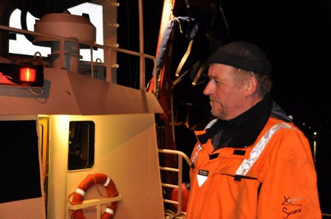 Fisker Ole Berglund reagerer på at han må betale 74.000 kroner for å glemt å fornye båtsertifkatet. - Det står ikke i forhold til forseelsen, mener han