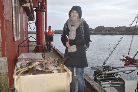 BILDER: -Jeg vil gjerne ha bilder som viser yrket og Lofoten slik fiskerne ser den, sier Anna Lena Bercht. Foto: Kai Nikolaisen