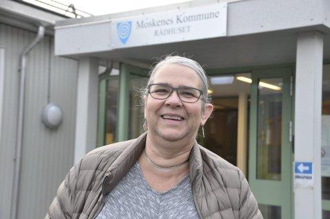 Spennende: Lillian Rasmussen er glad for at hun får fortsette i fire nye år som ordfører. – Det skjer mye spennende i Moskenes og Lofoten som jeg har lyst til å være med på., sier Rasmussen (Bygdelista) som samarbeider med Ap og SV. foto: magnar johansen