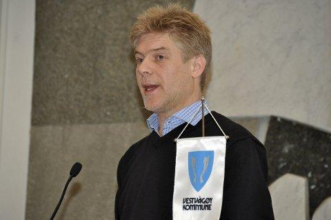Økte utgifter: Kommunalsjef Omsorg, Lars Pleym Ludvigsen, varsler at Vestvågøy kommune må se på pleienivået til spesielt ressurskrevende brukere. – Terskelen for tilbud må heves, basert på faglig skjønn, sier han.