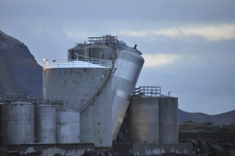 TANK: Denne tanken på 17 tonn hviler på en annen tank. Alle foto: Kai Nikolaisen