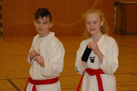Robin-Alexander Lundegård (12) og Natalie Hauan Mortensen (13) klarte graderingen